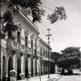 Hotel y Calle.