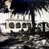 Jardin  y palacio. - Zimapán, Hidalgo