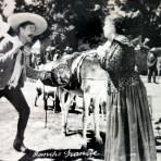 Escena de la pelicula Alla en el Rancho Grande.