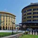 Edificios en la Plaza de la Libertad