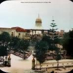 Plaza y kiosco de Cuernavaca Morelos por el fotografo C B Waite 1908.