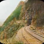 Tunel # 4 en Tomasopo San Luis Potosi.por el fotografo Fotógrafo Charles B. Waite.