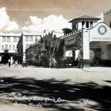 Estacion de gasolina y Hotel Marik.