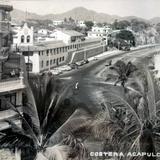 La costera de Acapulco, Guerrero ( Circulada el 30 de Julio de 1948 ).