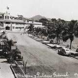 Malecón y Palacio Federal