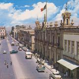 Avenida Madero hacia el poniente