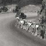 Trabajadores en la Curva del Purgatorio (Carreteral México - Laredo)