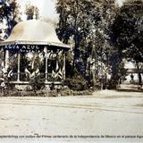 Adornos Septembrinos con motivo del Primer centenario de la Independencia de Mexico en el parque Agua Azul.