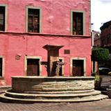 Fuente en la Plaza del Ropero