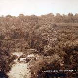 Puente del ferrocarril entre Jalapa y Texolo por el fotografo Walter E. Hadsell.