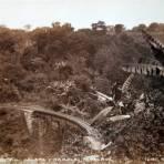 Vistas de El ferrocarril interoceanico y Jalapa- Texolo por el fotografo Walter E. Hadsell.