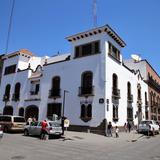 Esquina Juan Villerias y Universidad