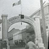 Arco de resibimiento a Madero y Carranza Lugar desconocido.