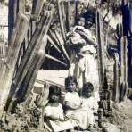 Tipos mexicanos familia ( Circulada el 11 de Agosto de 1905 ).
