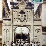 Mercado La Victoria en Puebla por el Fotografo Hugo Brehme. ( Circulada el 10 de Diciembre de 1929 ).