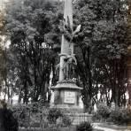 Monumento en el Paseo Bravo.