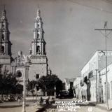 Calle Allende y la parroquia.