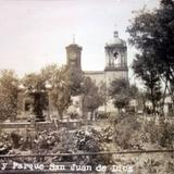 Lugar desconocido Templo y parque de San Juan de Dios..