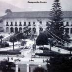 La Plaza principal de Zacapoaxtla, Puebla ( Circulada el 7 de Mayo de 1949 ).