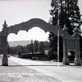 Arco de salutacion en elmonte de Las Cruces.