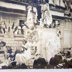 """Desfile historico carro alegorico de Sinaloa """"La Paz"""" 15 de Septiembre de 1910 por el Fotógrafo Félix Miret."""