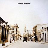 Escena callejera en Tampico, Tamaulipas.