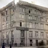 Edificio de La Asociacion Cristiana de jovenes Y.M.C.A. Bombardeado durante la decena tragica Ciudad de México.
