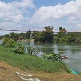 Puente colgante sobre el río Filobobos