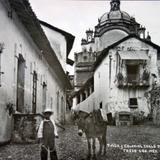 Tipica y colonial calle de La Santa Veracruz.