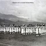 Tipos Mexicanos Alumnos de La escuela Normal Mixta.