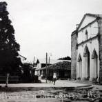 Jardin Alvarez y la Parroquia. ( Circulada el 8 de Septiembre de 1922).