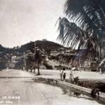 A un costado de La Plaza. ( Circulada el 26 de Febrero de 1936 ).