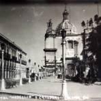 Portal Medellin y La Catedral.