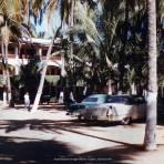 Estacionamiento del HOTEL LAS HAMACAS Acapulco, Guerrero 1957.