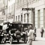 Agente vial y transporte público