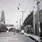 Arco de La Mineria Levantado en la calle Victoria en honor a del Gral. Calles ( 16 de Noviembre de 1925 )