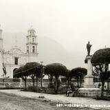 Iglesia y parque
