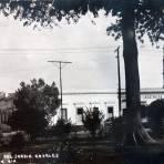Costado del Jardin Rosales. ( Circulada el 24 de Septiembre de 1942 ).