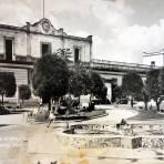Jardin y Palacio Municipal.