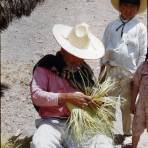 Tipos Mexicanos tejedor de sombreros de palma 1951.