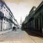 Calle de Hidalgo por el Fotógrafo Hugo Brehme.