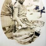 Tipos Mexicanos vendedora de Camarones y Pescado.