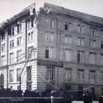 Edificio de La Asociacion Cristiana Esquina de balderas y Nuevo Mexico durante La Decena Trágica Febrero de (1913)  Ciudad de México