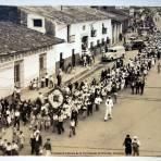 Un funeral enfrente de la Cia Vinicola de Orizaba, Veracruz.
