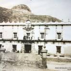 Palacio del Ejecutivo y el cerro de La Bufa al fondo.  Zacatecas.