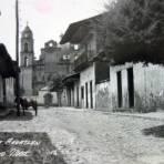 Calle e Iglesia de Santa Maria Ahuatlan.