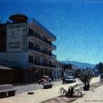 Escena callejera  de Puerto Vallarta, Jalisco 1969.