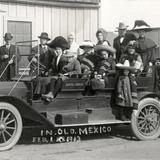Grupo de turistas en automóvil (Royal Gorge)