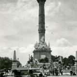Celebración en el Ángel de la Independencia (circa 1920)