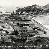 Vista parcial del puerto de Mazatlán
